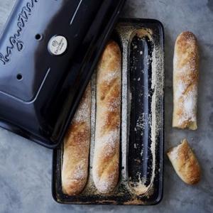 emile henry baguette baker